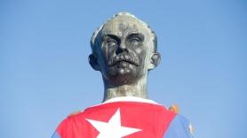 1-El-busto-de-Jose-Marti-en-la-cima-del-Pico-Turquino.jpg