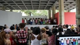 12-Bienal-de-La-Habana-Pabellon-Cuba-Lo-llevamos-rizo-1.jpg