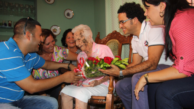Esther Montes de Oca en 105 cumpleanos