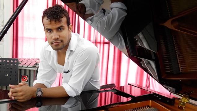 ernesto-oliva-pianista