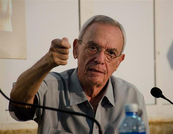 Eusebio Leal durante un conversatorio en el Pabellón Cuba el pasado jueves 25 de agosto. Foto: Alexis Rodríguez.