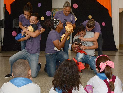 El grupo Polichinela resulta anfitrión indiscutible de la cita. Fotos Nohema Díaz
