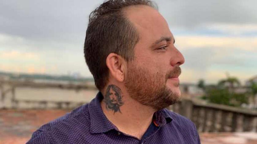 Nelson Valdés camina confiado por los surcos de la historia